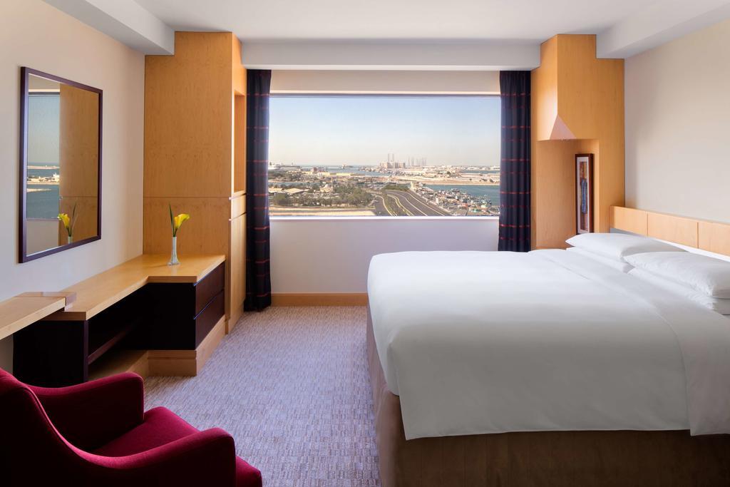 Hyatt Regency Dubai фото и отзывы