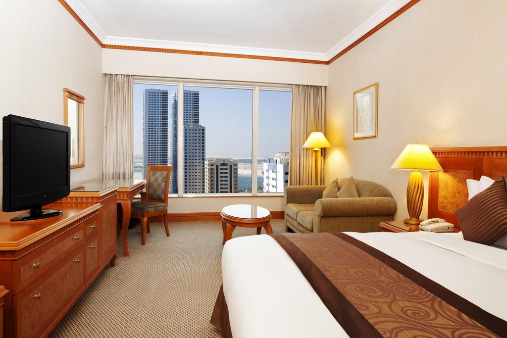 Шарджа Hilton Sharjah Hotel ціни