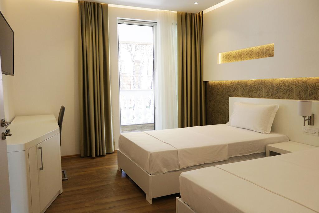 Тури в готель Prestige Hotel Дуррес