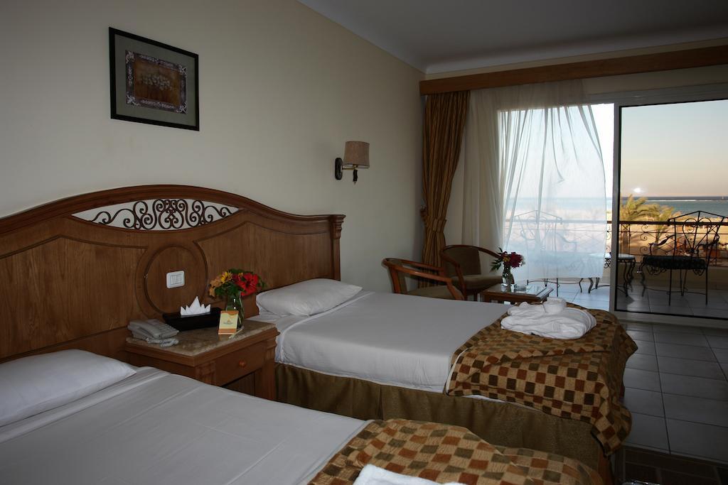 Відгуки гостей готелю Regency Plaza Aqua Park & Spa Resort