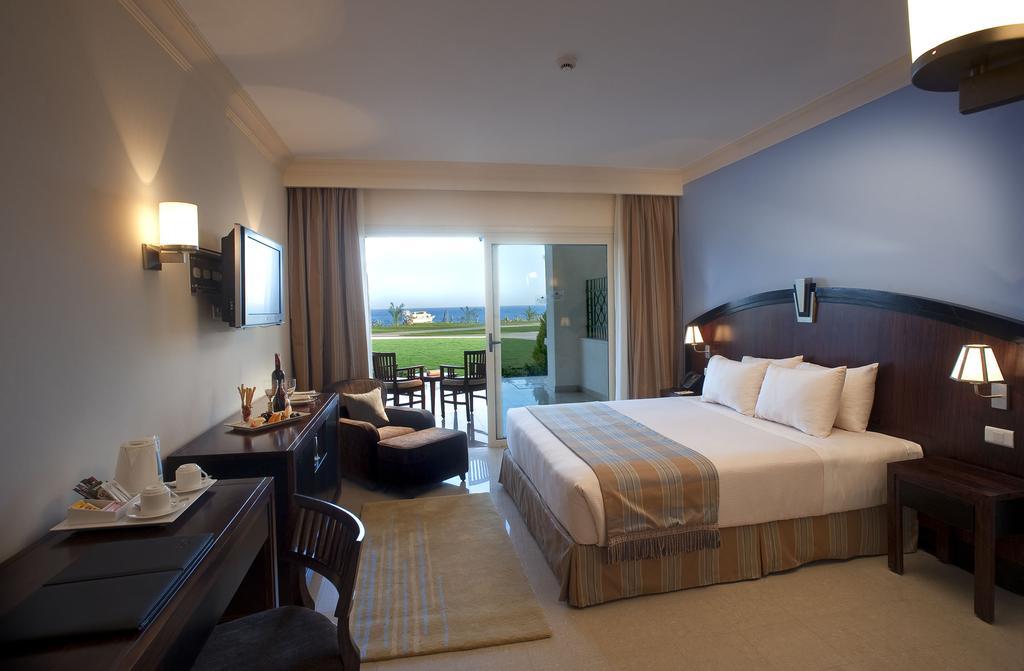 Ціни в готелі Stella Di Mare Beach Hotel