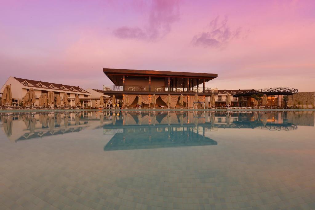 Відпочинок в готелі Jiva Beach Resort Фетхіє