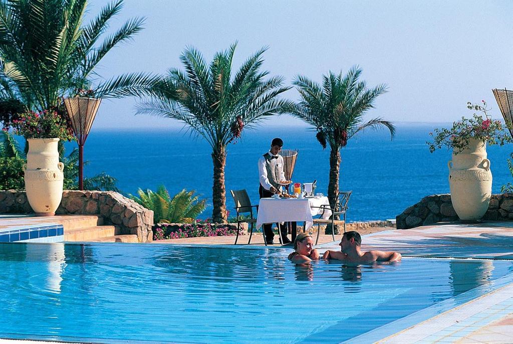 Отзывы об отеле Reef Oasis Beach Resort
