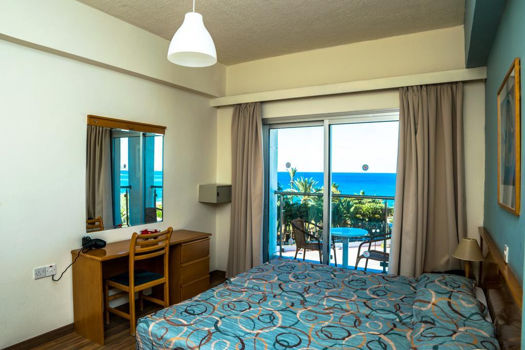 Отзывы туристов Helios Bay Hotel Apts
