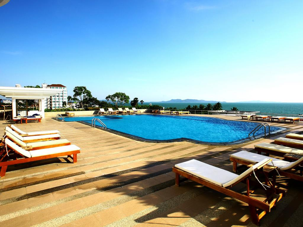 Отдых в отеле D Varee Jomtien Beach пляж Паттаи Таиланд