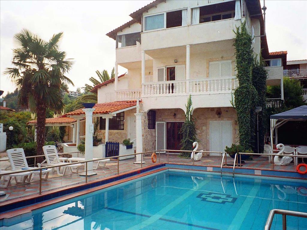 Тури в готель Villa George Hotel Apartments