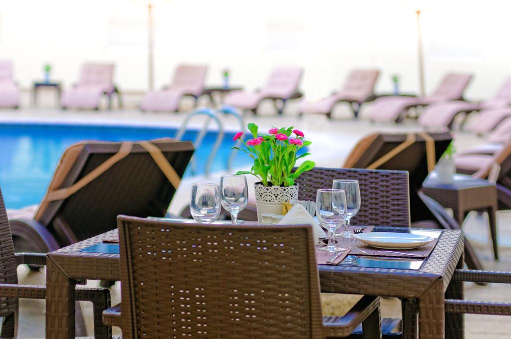Отдых в отеле Golden Sands Hotel Apartments