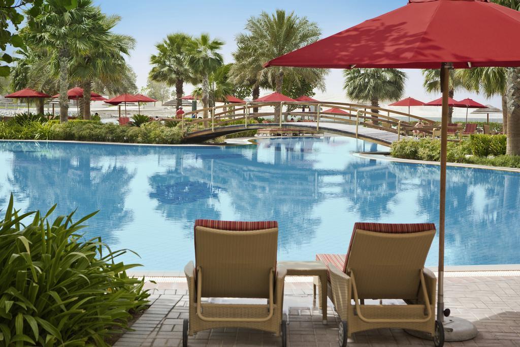 Ціни в готелі Khalidiya Palace By Rotana