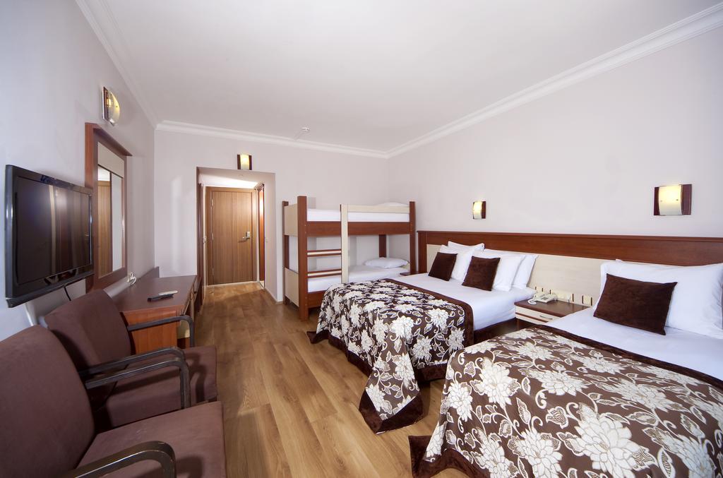 Відпочинок в готелі Arma's Bella Sun
