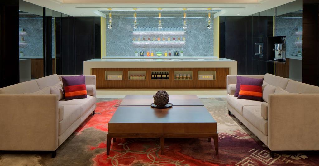 Hyatt Regency Dubai цена