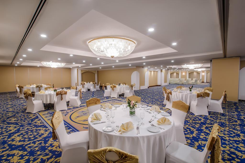 Grand Excelsior Hotel Bur Dubai ціна