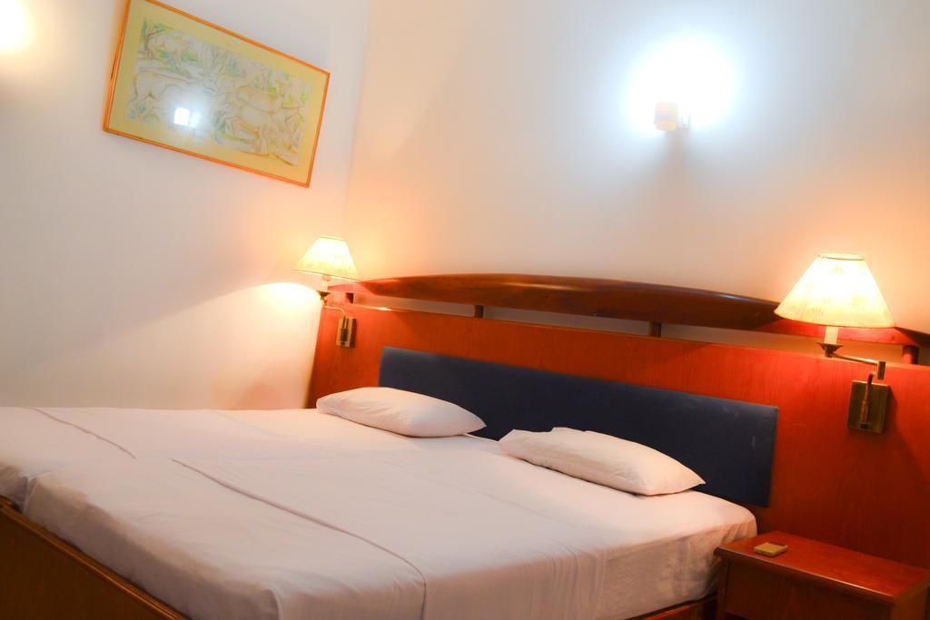 Ykd Tourist Rest, Хиккадува