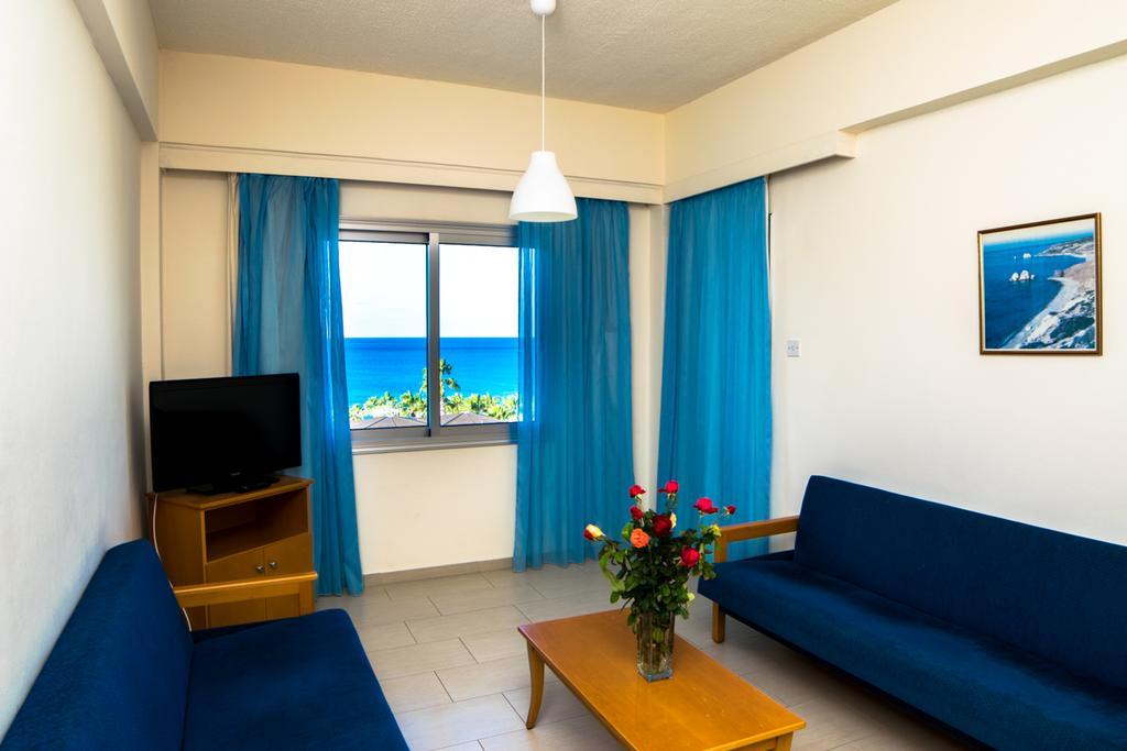 Отдых в отеле Helios Bay Hotel Apts Пафос