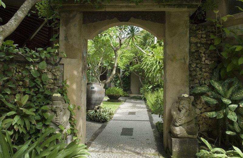Горящие туры в отель Puri Bambu Джимбаран