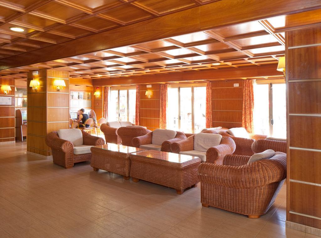 Отдых в отеле H·top Calella Palace Коста-де-Барселона-Маресме