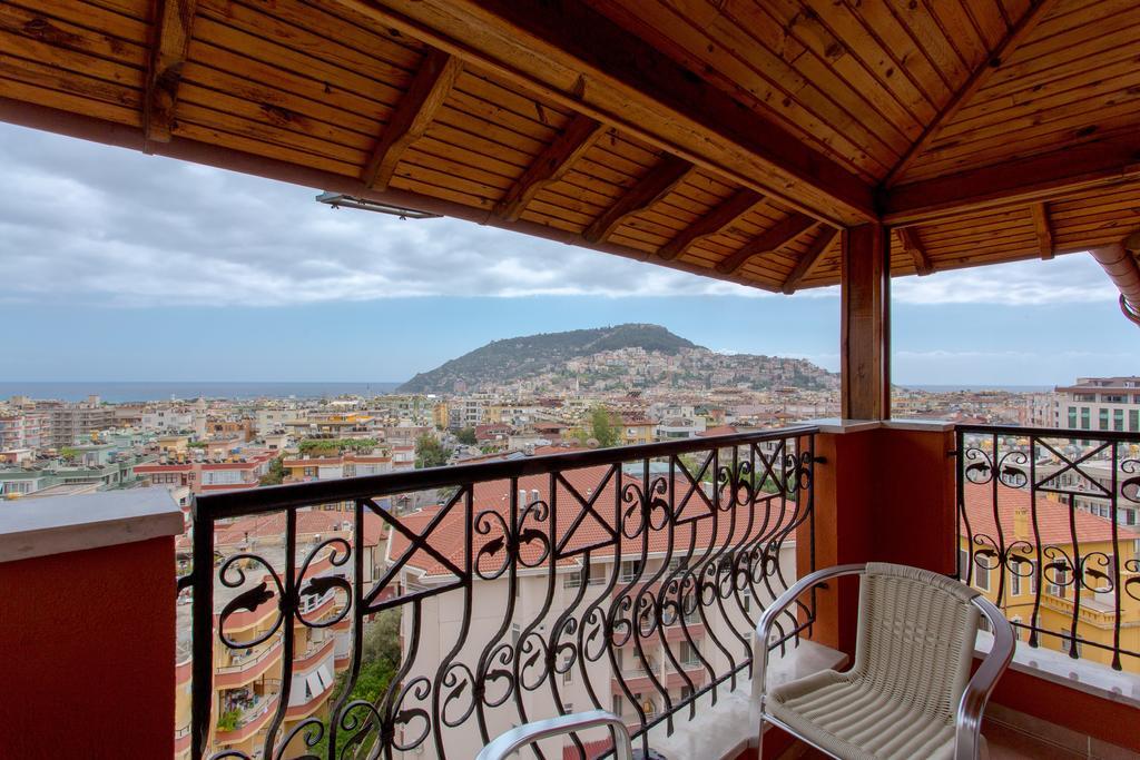 Фото готелю Villa Moonflower Aparts & Suites