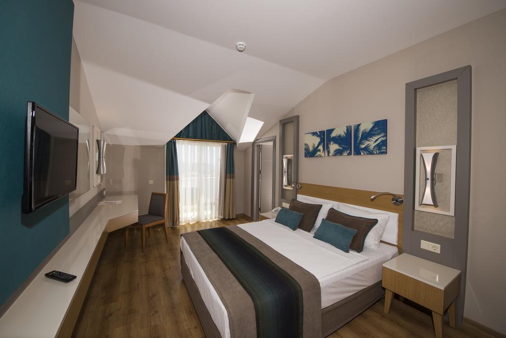 Відгуки гостей готелю Palm World Side Resort & Spa