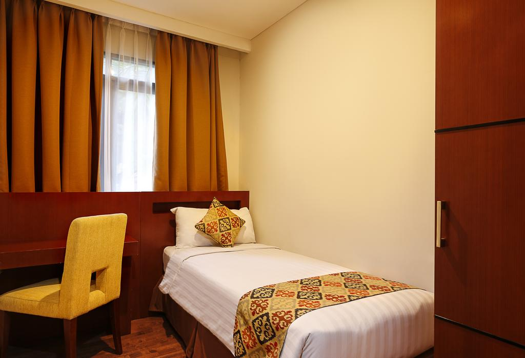 Фото отеля Grand Kuta Hotel & Residences