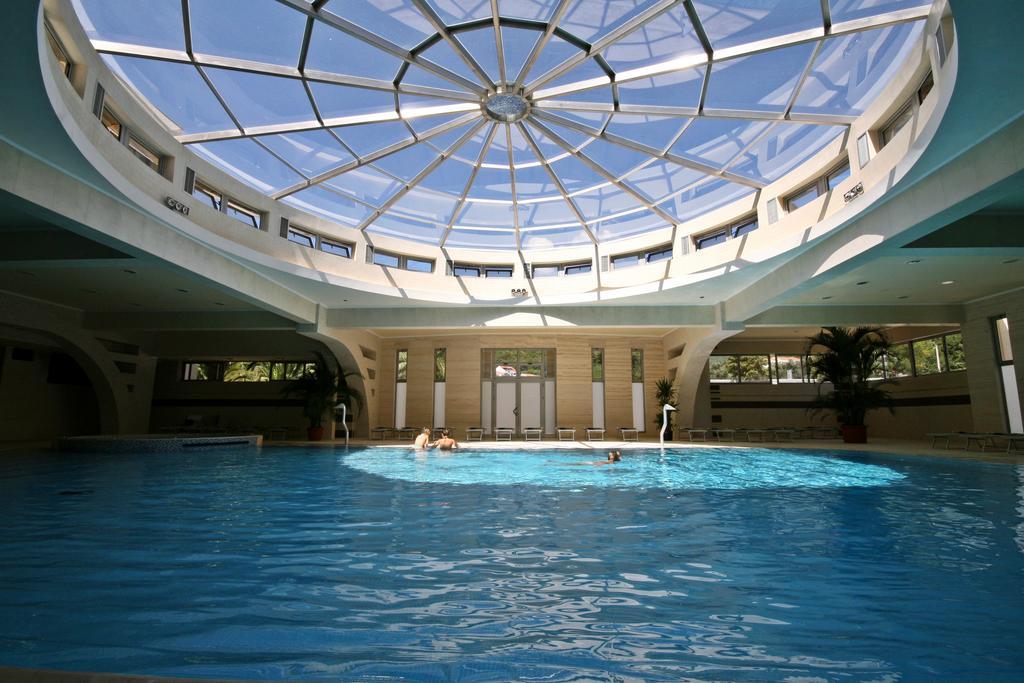 Горящие туры в отель Mediteran Becici Hotel