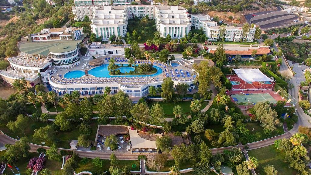 Тури в готель Bodrum Holiday Resort & Spa Бодрум Туреччина