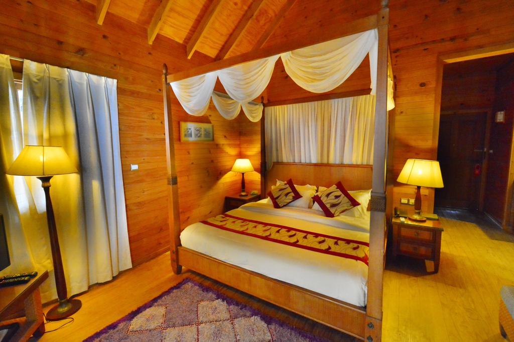 Мальдивы Fihalhohi Island Resort