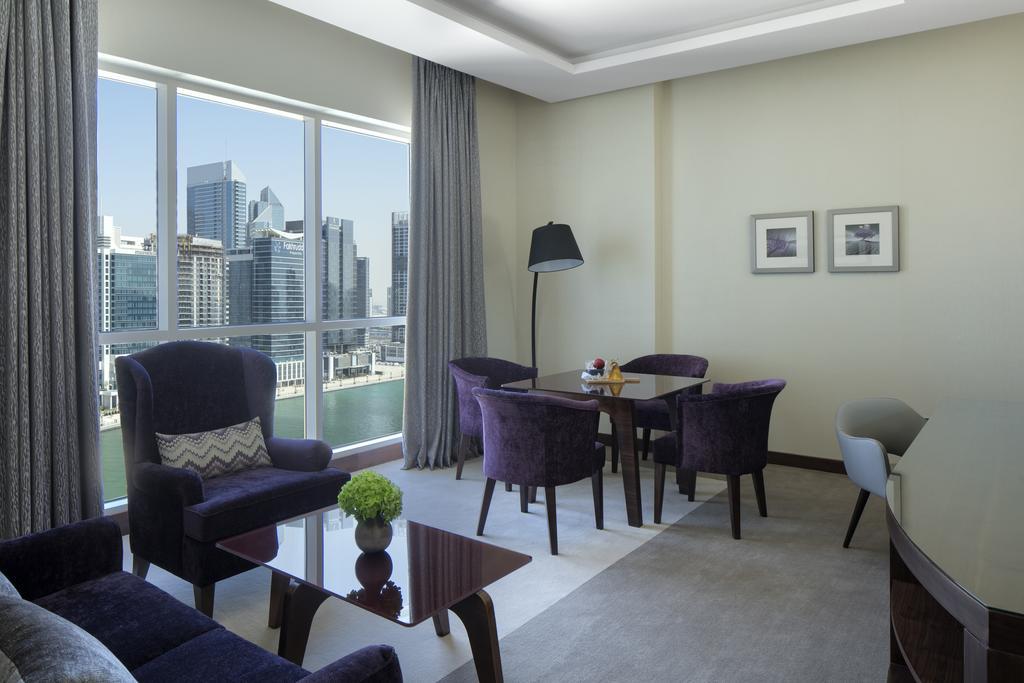 Radisson Blu Hotel Dubai Waterfront, Дубай (город), ОАЭ, фотографии туров