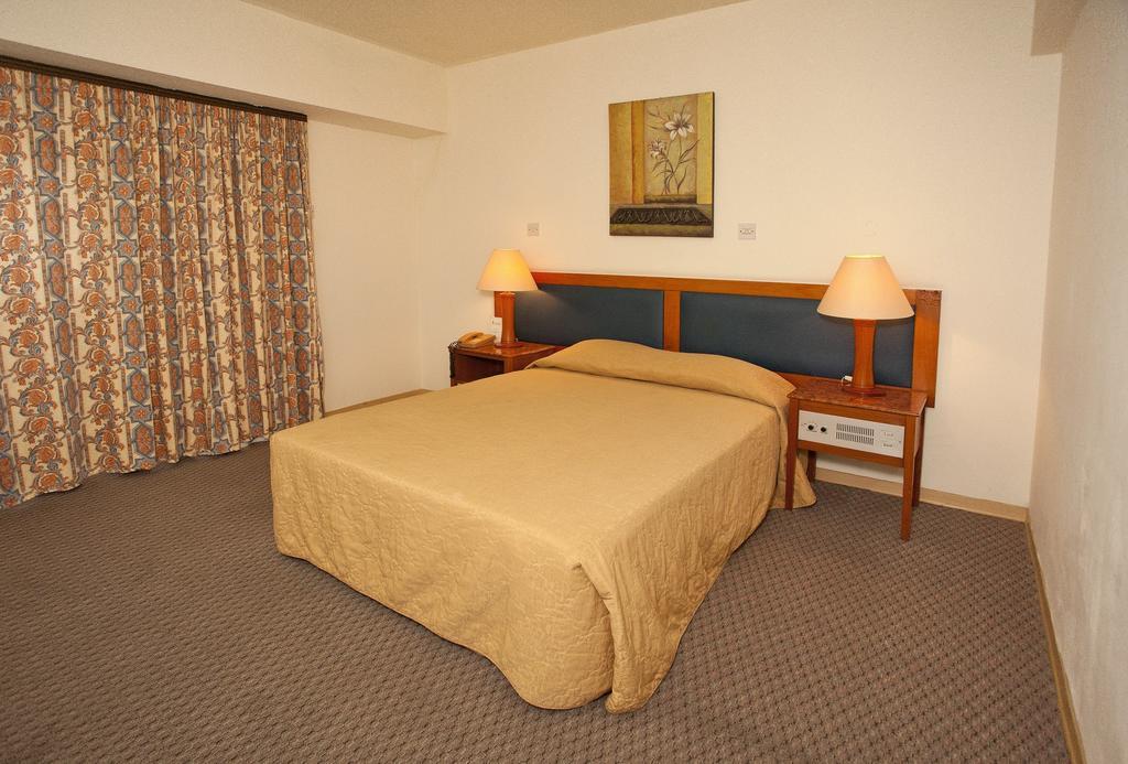 Горящие туры в отель Pefkos Hotel
