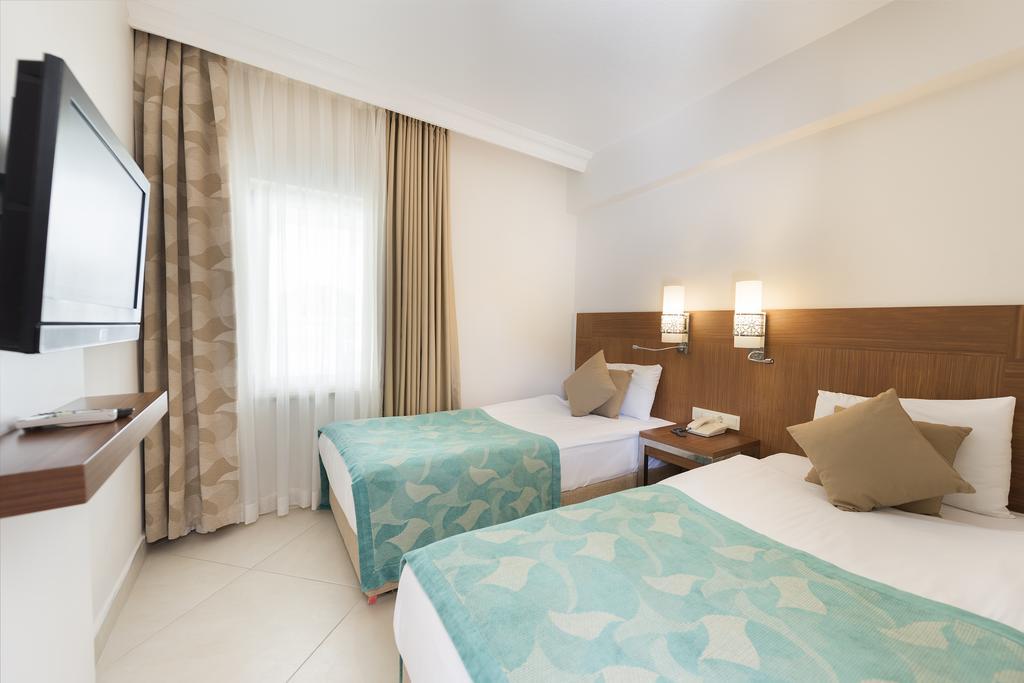 Відпочинок в готелі Kamelya Collection K Club