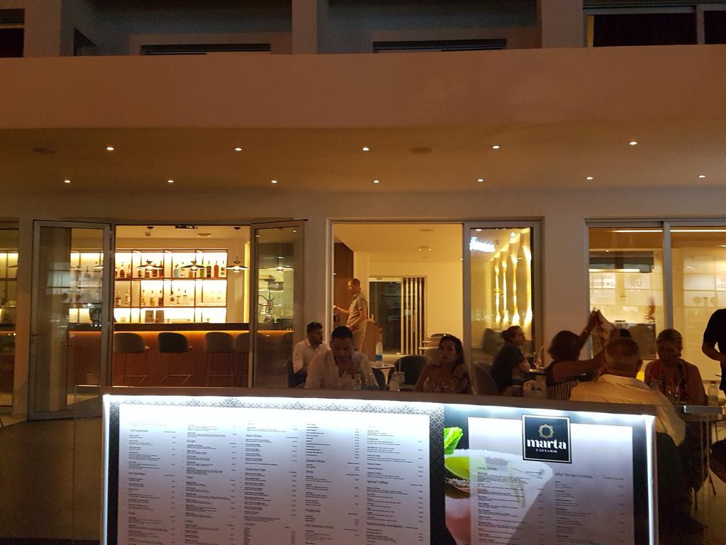 Anthea Hotel Apts ціна