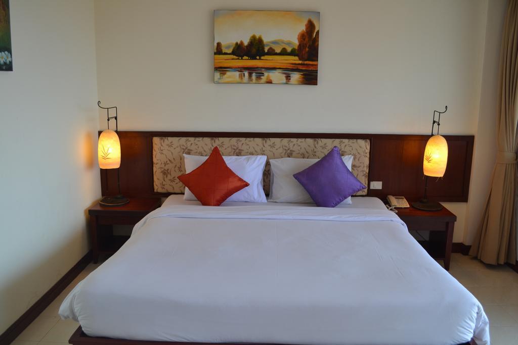 Bauman Ville Hotel Патонг