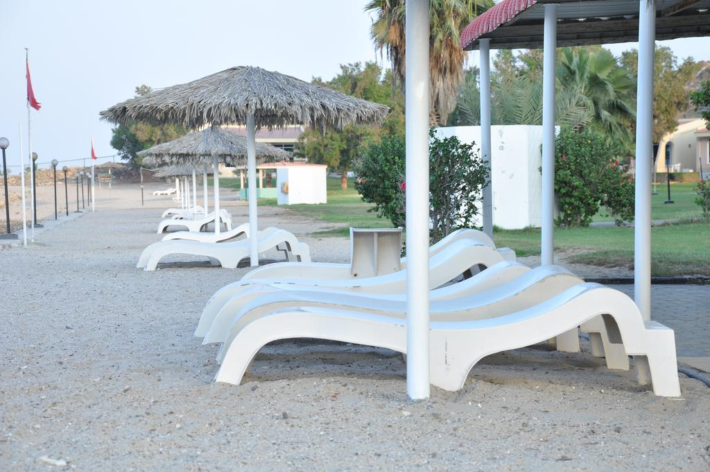 Фото отеля Holiday Beach Resort