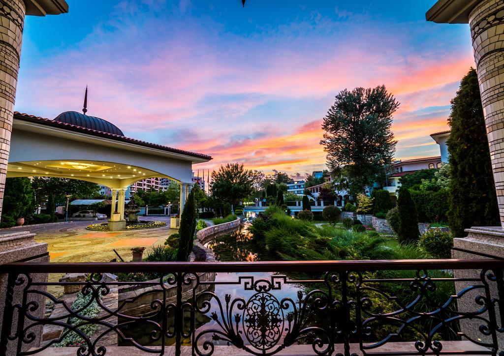 Солнечный Берег Royal Palace Helena Park