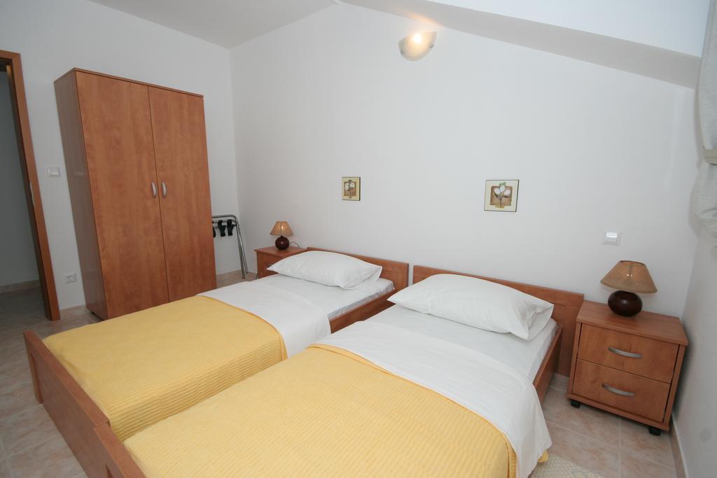 Тури в готель Villa Mavarcica Трогір Хорватія