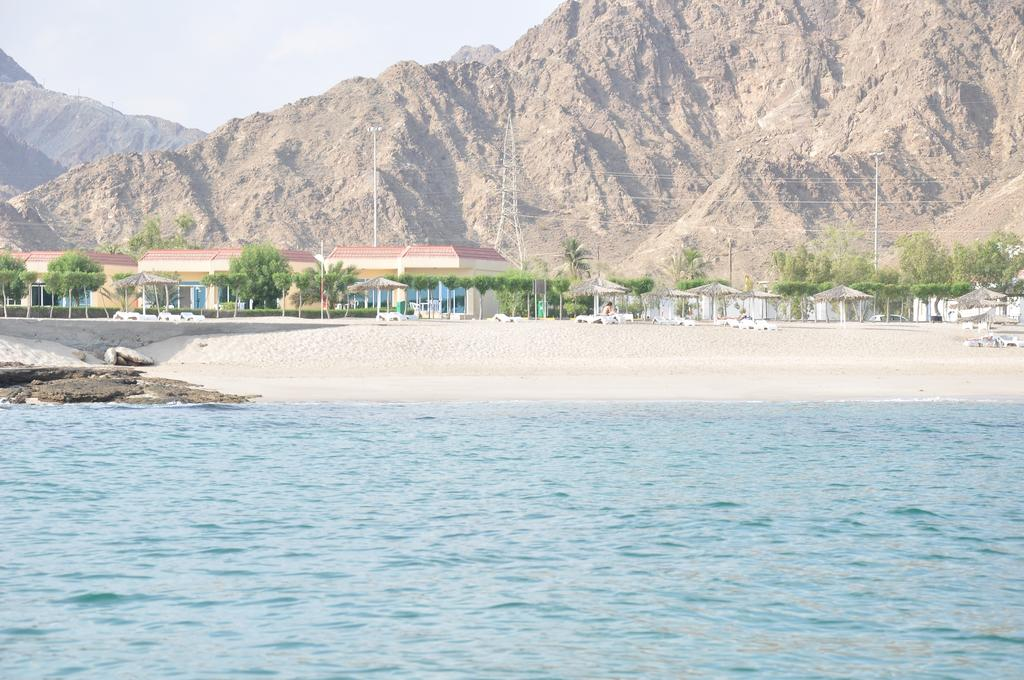 Holiday Beach Resort, 4