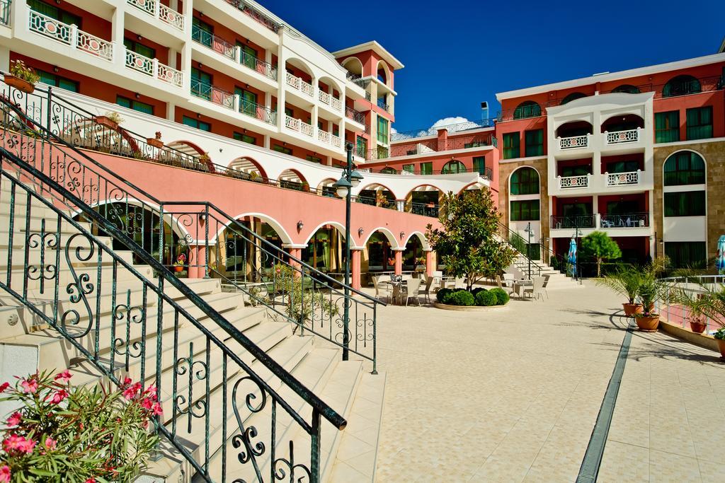 Ціни в готелі Saint George Palace