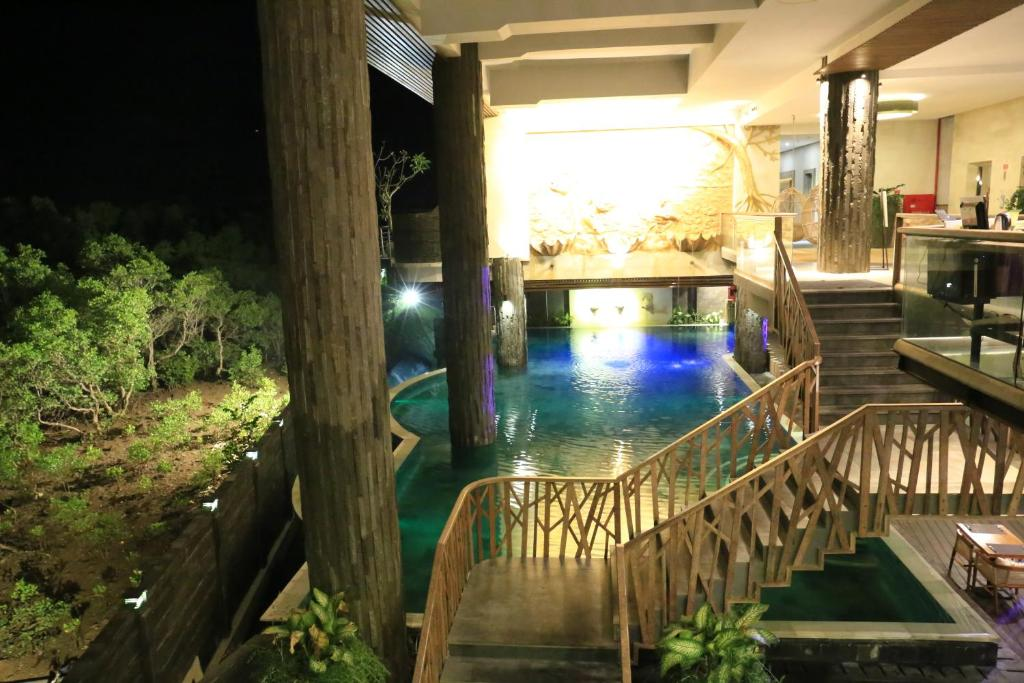 Отель, Нуса-Дуа, Индонезия, The Crystal Luxury Bay Resort