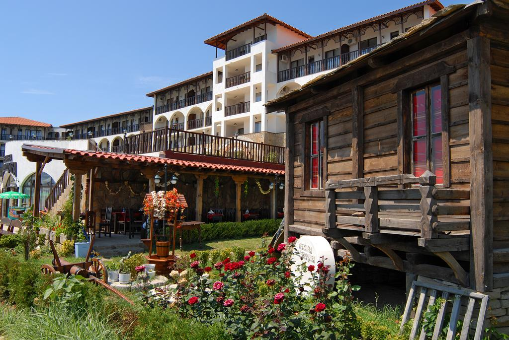 Dinevi Resort Third Line, Болгария, Свети-Влас, туры, фото и отзывы