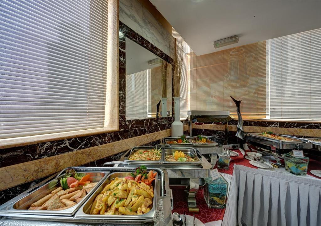 Отзывы об отеле Sharjah Palace Hotel