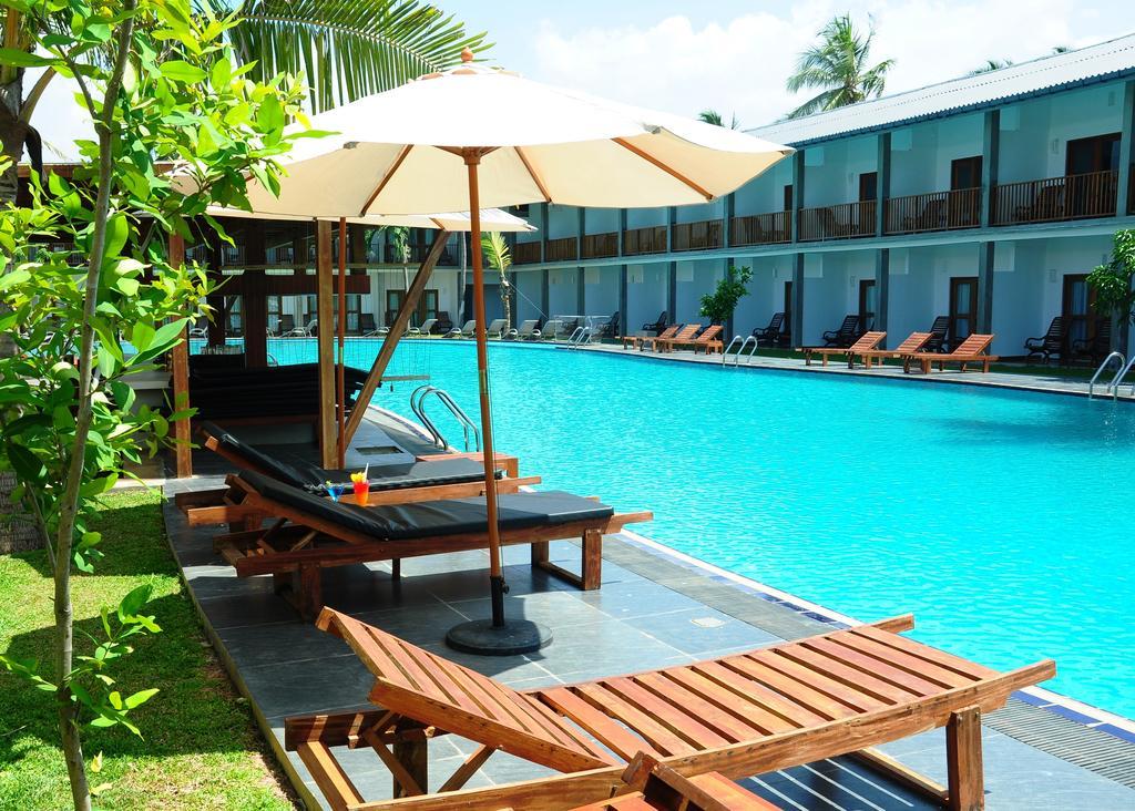 Carolina Beach Hotel, Шри-Ланка