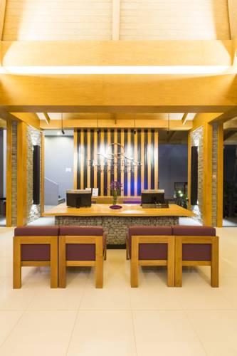 Відпочинок в готелі Phuvaree Resort Таїланд