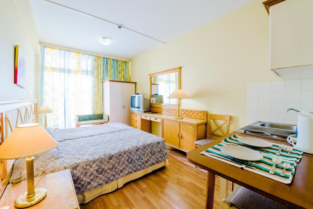Кипр Estella Hotel Apts