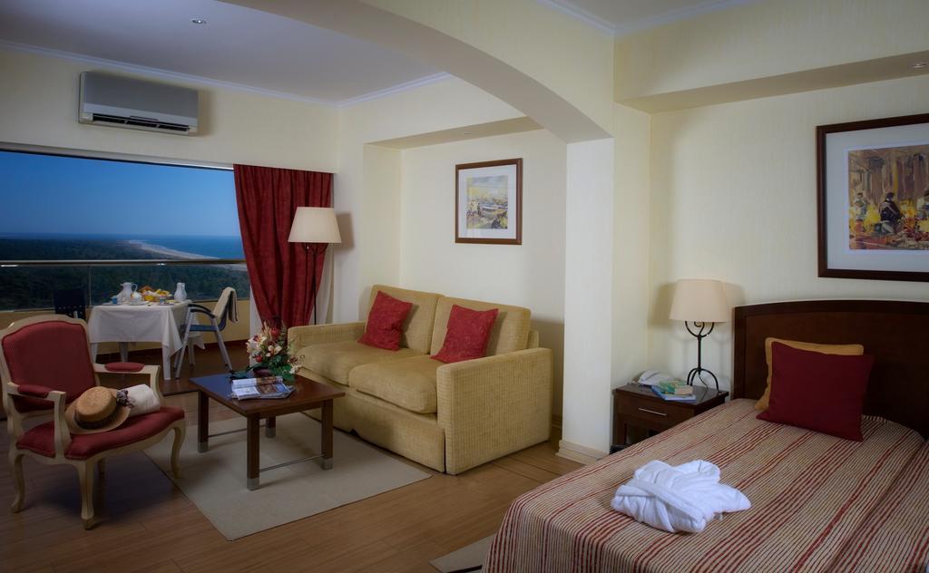 Ціни в готелі Yellow Monte Gordo