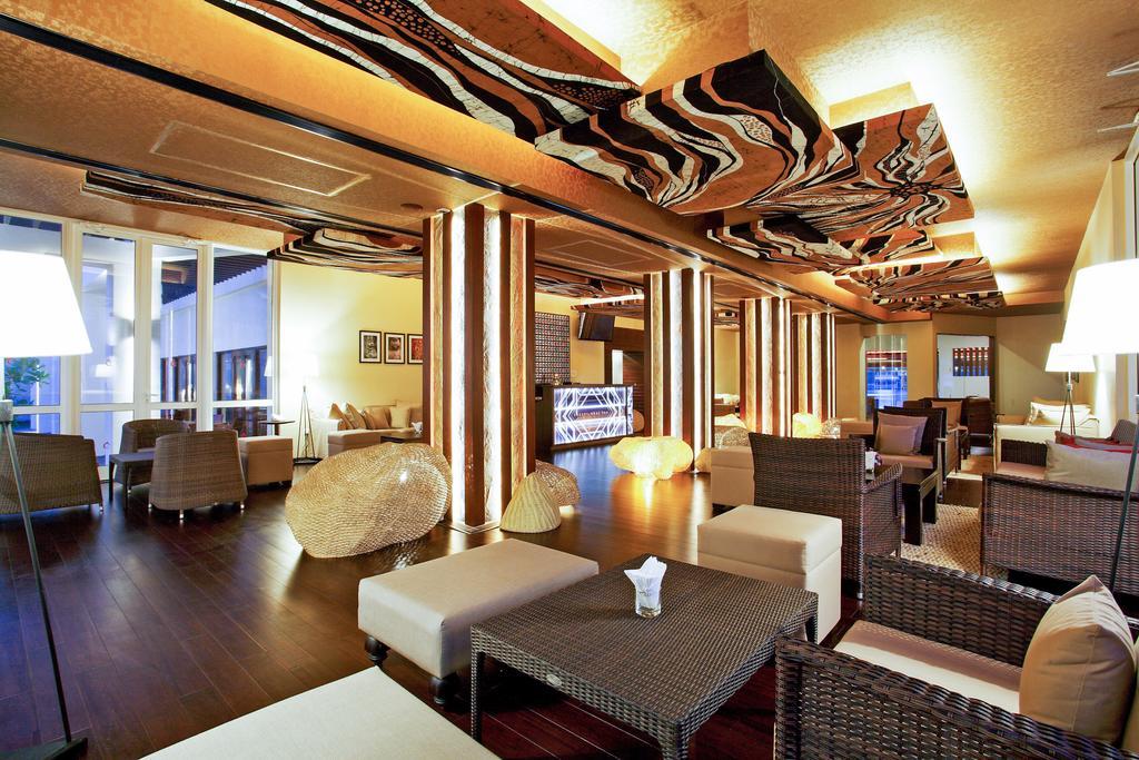 Фото готелю Centara Ceysands Resort & Spa