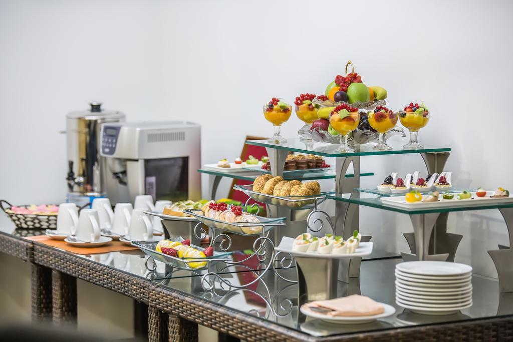 Отзывы туристов Holiday Inn Bur Dubai Embassy District