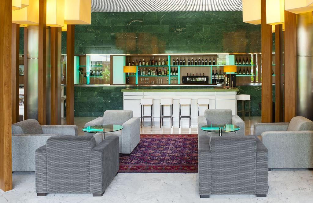 Туры в отель Aparthotel Atenea Барселона
