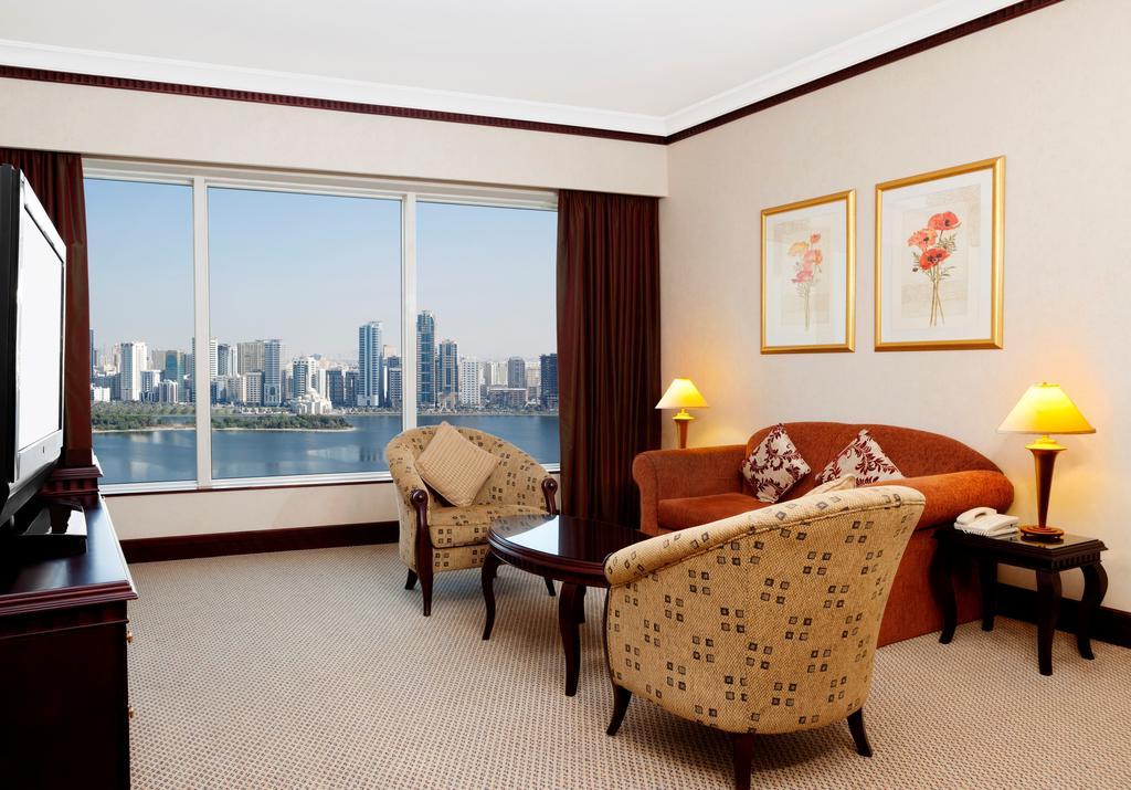Відпочинок в готелі Hilton Sharjah Hotel Шарджа