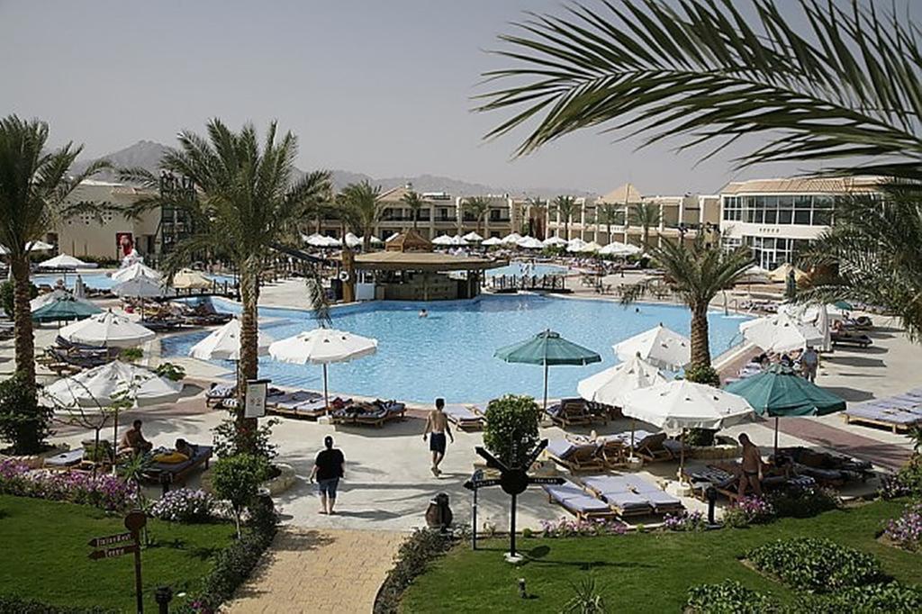 Відпочинок в готелі Island Garden Resort