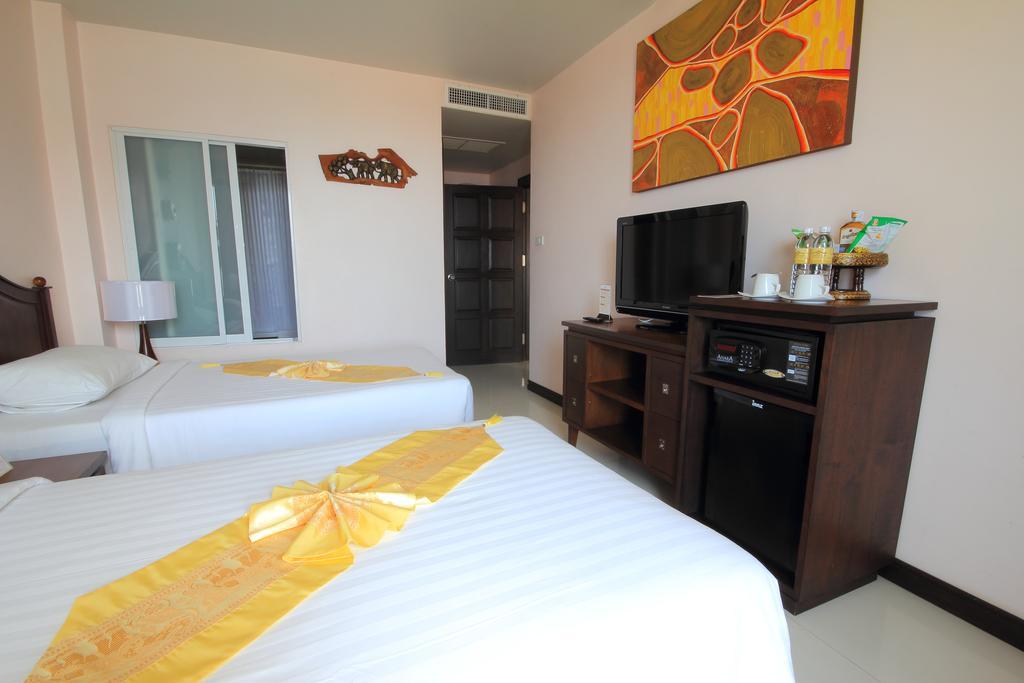 Отель, Aiyara Palace Hotel