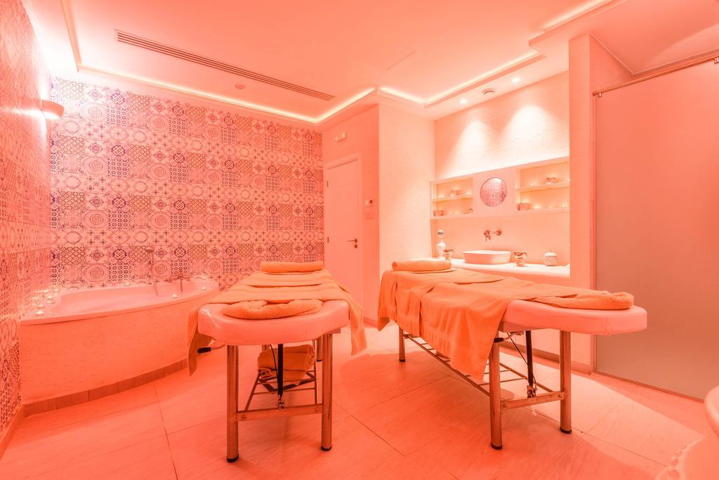 Цены в отеле Melpo Antia Hotel & Suites