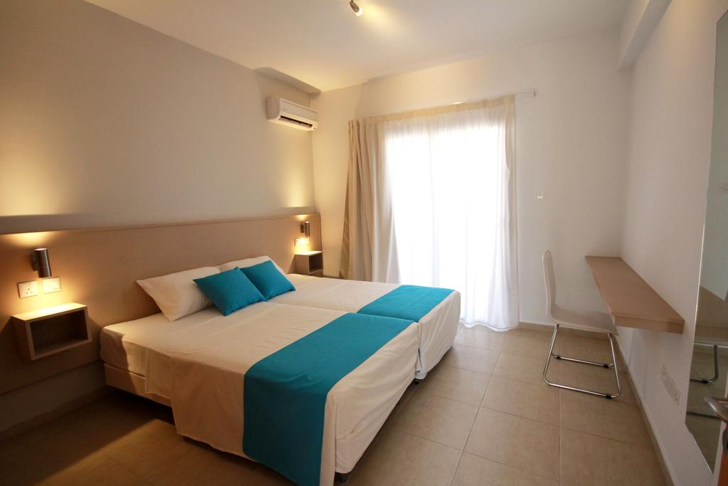 Фото отеля Sea Cleopatra Napa Hotel (ex. Smartline Cleopatra Annex Apartments)